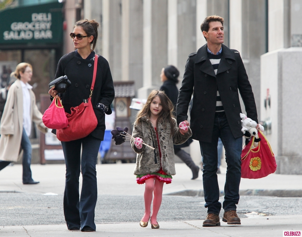 The Tom Cruise and Katie Holmes Divorce, An Example of How ... Katie Holmes Divorce
